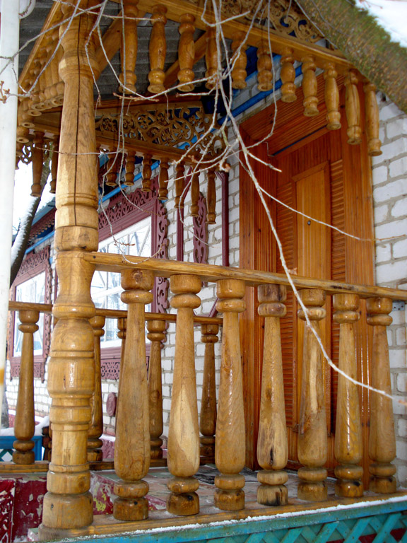 Перила и поручни из дерева по низкой цене в Брянске