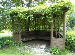 Садовые беседки - виды и материалы